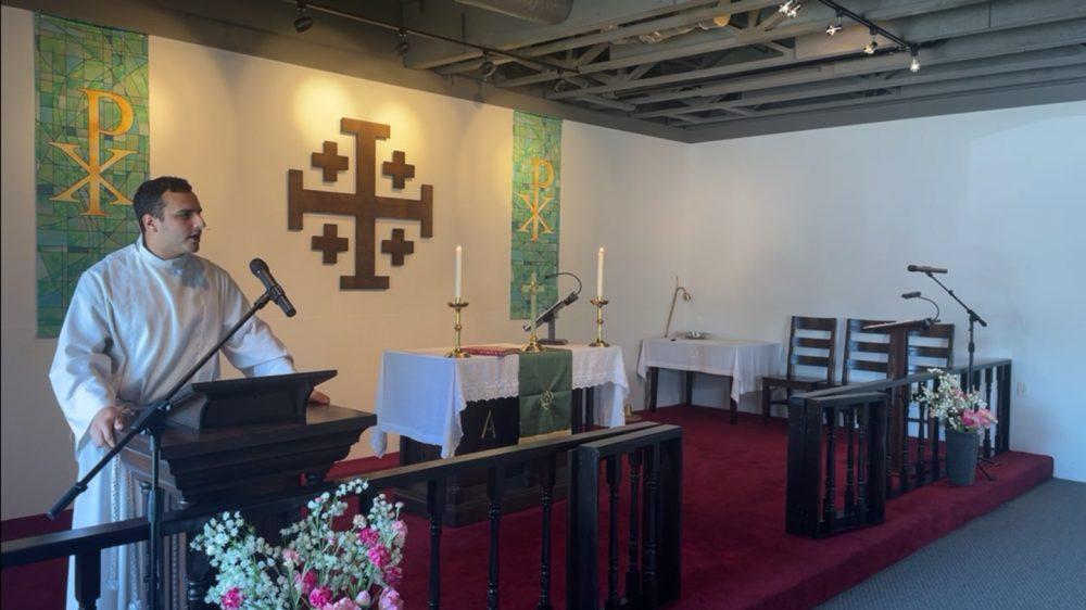 Servanthood in Divine Mercy Image